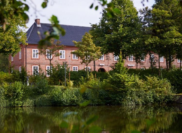 Hotel Pelli Hof Rendsburg by Tulip Inn mit Park