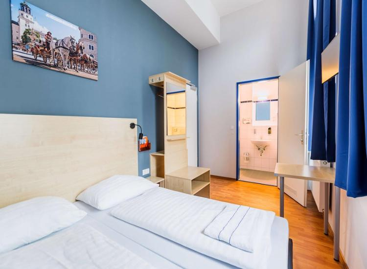 20 Städte Multi Hotel Gutschein 30 A&O Wahl Hotels 2 Personen Frühstück+2 Kinder 11