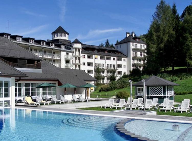 Romantik Hotel Schloss Pichlarn Aussenansicht