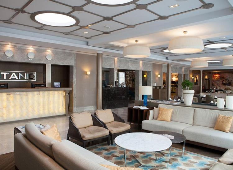 Titanic Comfort Mitte Lobby
