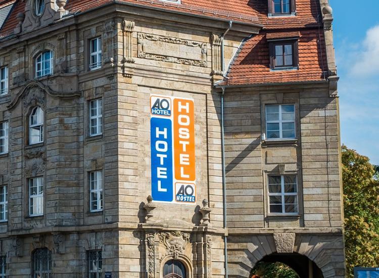 Kurzreise-Leipzig-nahe-Hauptbahnhof-2-bis-4-Tage-2-Personen-A-amp-O-Hotel-Gutschein Indexbild 4