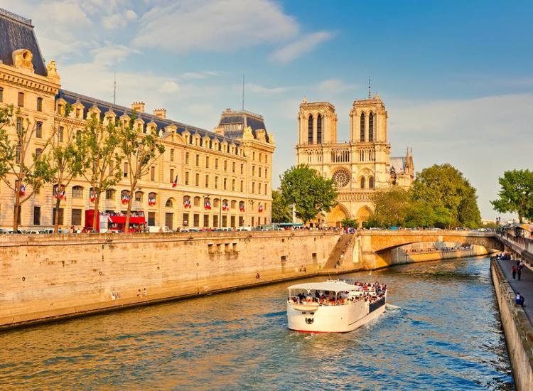 Kurzreise-Paris-4-Tage-fuer-2-Personen-modernes-Komfort-Hotel-Fruehstueck-Gutschein Indexbild 11