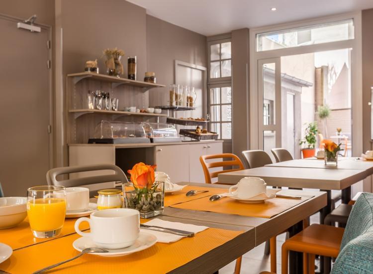 Kurzreise-Paris-4-Tage-fuer-2-Personen-modernes-Komfort-Hotel-Fruehstueck-Gutschein Indexbild 5