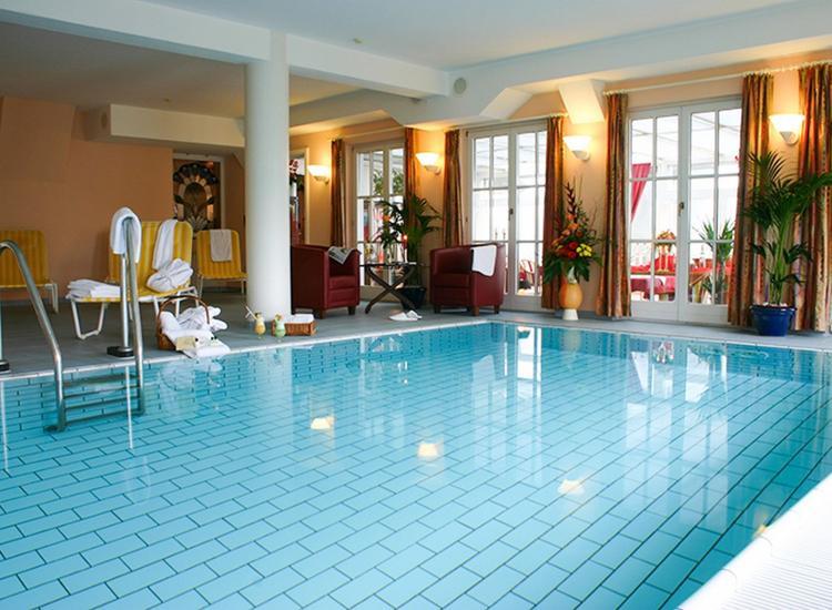 Kurzreise Rügen 4 Tage für 2 Personen im 4 Sterne Wellness Hotel Gutschein Menü 5