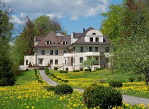 Villa Toscana Fuessen Blumenwiese