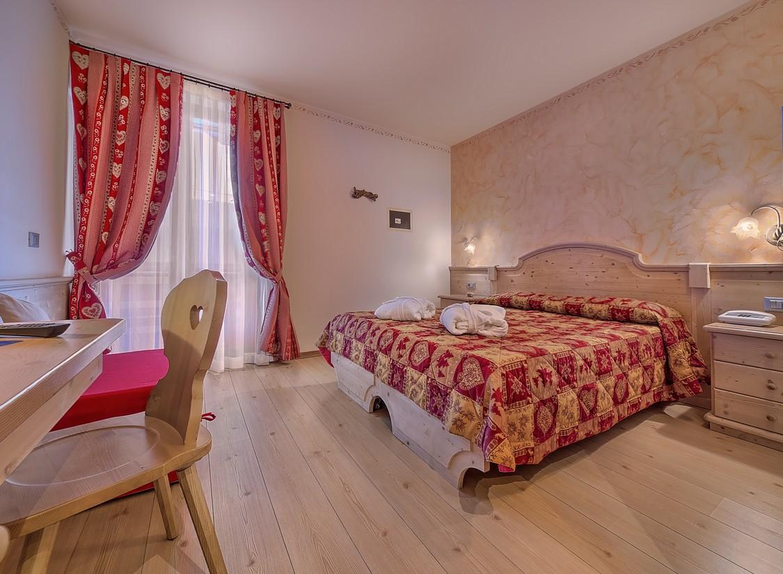 Wellness Kurzreise Südtirol Trentino für 2 Personen Pool Hotel Gutschein 6 Tage 5