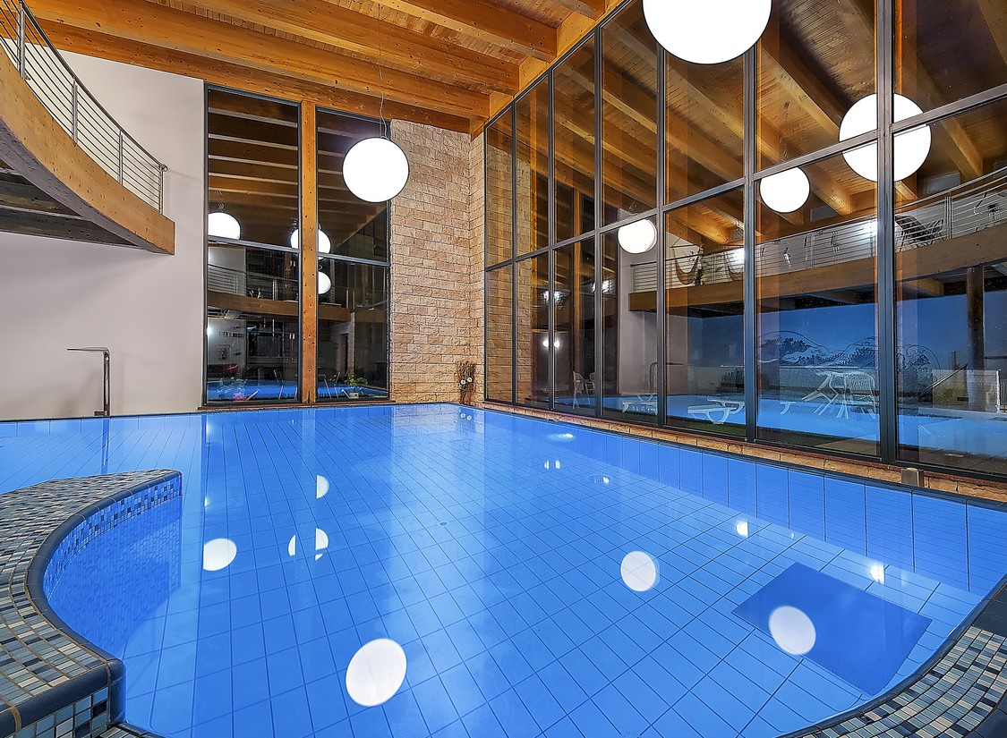 Wellness Kurzreise Südtirol Trentino für 2 Personen Pool Hotel Gutschein 6 Tage 6