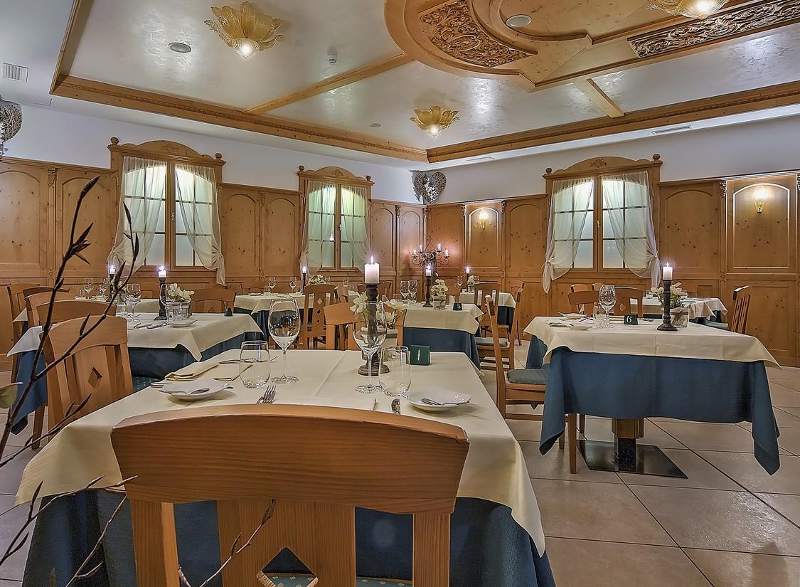 Wellness Kurzreise Südtirol Trentino für 2 Personen Pool Hotel Gutschein 6 Tage 12