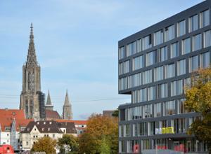 BB Hotel Ulm Fassade mit Blick aufs Muenster