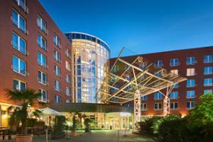 Dorint An den Westfalenhallen Hotel beleuchtete Aussenfassade
