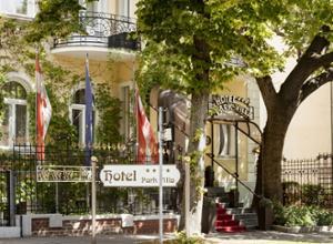 Park Villa Wien Eingang mit Schild