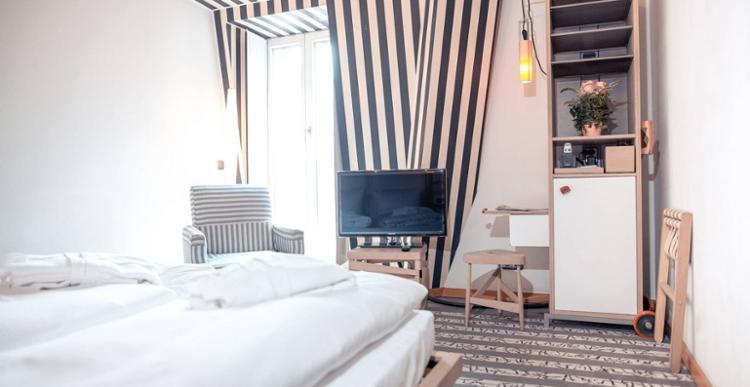 Hotel Bleibtreu Berlin By Golden Tulip Stilvolles Zimmer