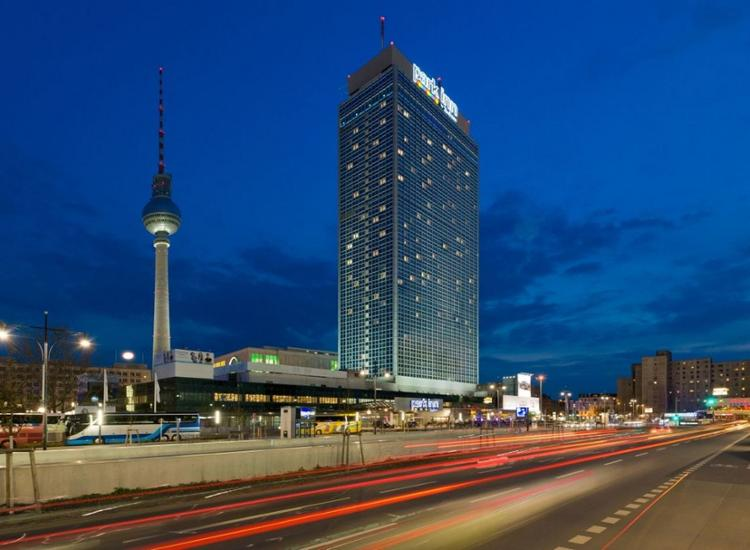 Park Inn by Radisson Berlin Alexanderplatz Aussenansicht