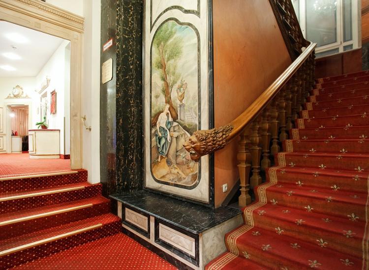 Großstadtflair am berühmten Kurfürstendamm - Edles Hotel im Herzen Berlins