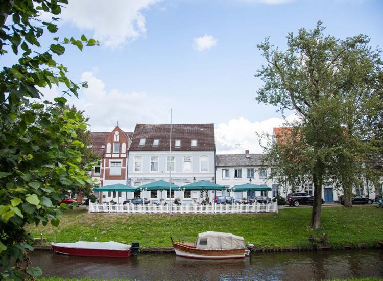 Hotel Aquarium Boddenberg Aussenansicht