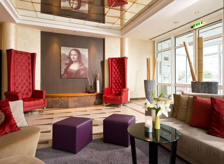Leonardo Hotel Aachen Lobby