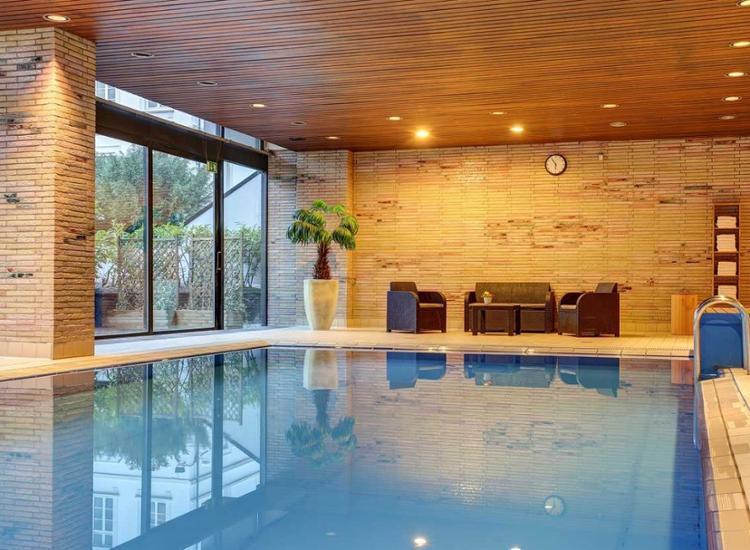 Guennewig Hotel Bristol Bonn Pool
