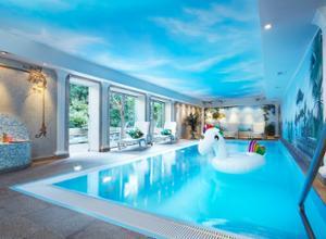 Hotel Villa Kastania Pool