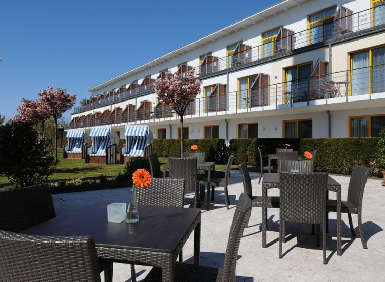Hotel Vier Jahreszeiten Zingst Terrasse