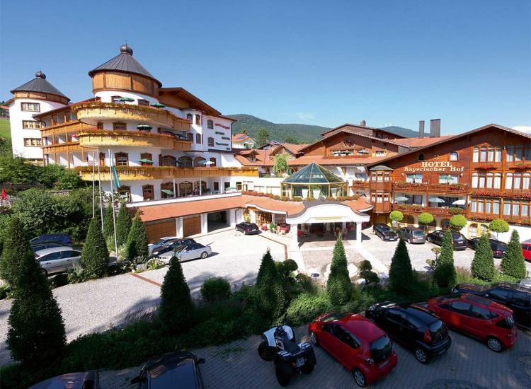 Wellness Golf Resort Bayerischer Hof Aussenansicht