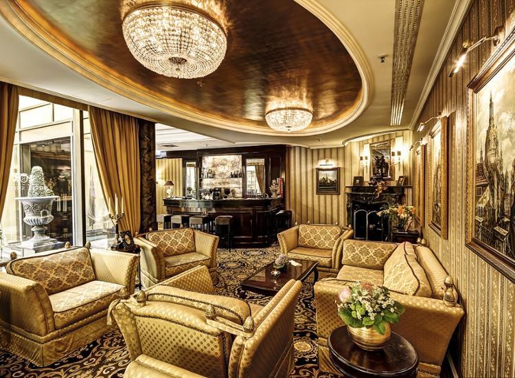 Suitess Lobby