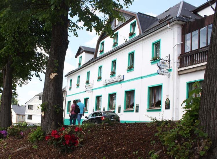 hotel gasthof zur krone saalburg ebersdorf