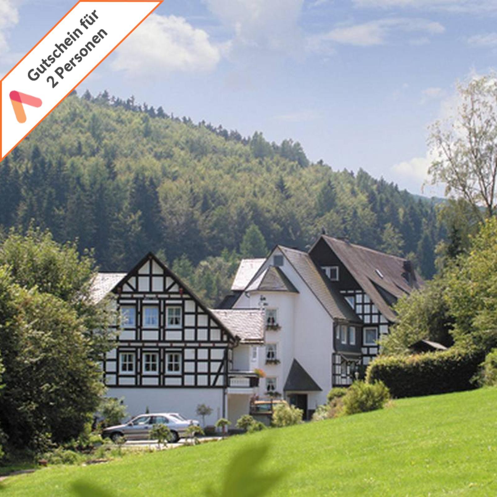 Kurzreise mit Hund Sauerland Schmallenberg 3 Tage für 2 Personen Hotelgutschein
