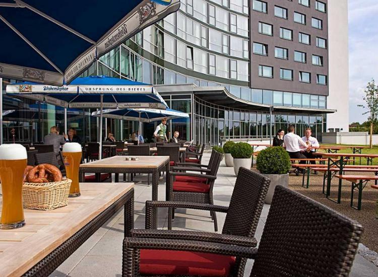 Dolce Munich Unterschleissheim Terrasse