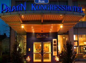 Hoteleingang Best Western Plus Palatin Kongresshotel